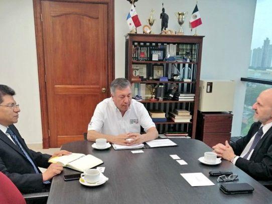 Gerente de la ZLC se reúne con embajador de México en Panamá para impulsar el comercio