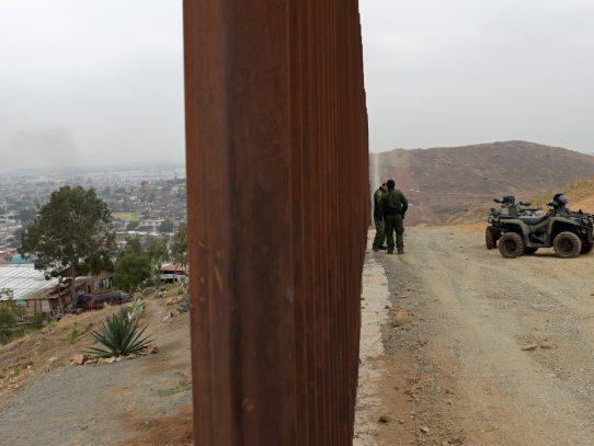 México envía casi 15.000 uniformados a frontera con EEUU por migrantes