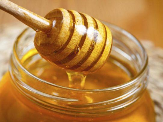 Un hombre es detenido 82 días en EEUU por ingresar miel de Jamaica