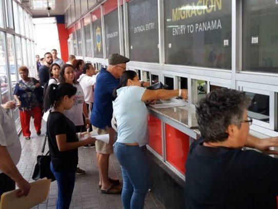 Migración retiene a dos extranjeros con casos pendientes en Panamá