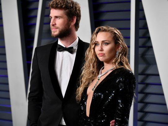 Miley Cyrus desmiente que separación del actor Liam Hemsworth sea por infidelidad