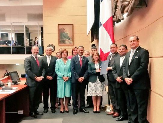 Meduca presenta proyecto de ley que crea el Ministerio de Cultura