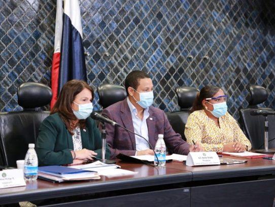 """Restablecimiento del año escolar 2020 inicia en julio, """"a distancia"""", resaltó la Ministra"""