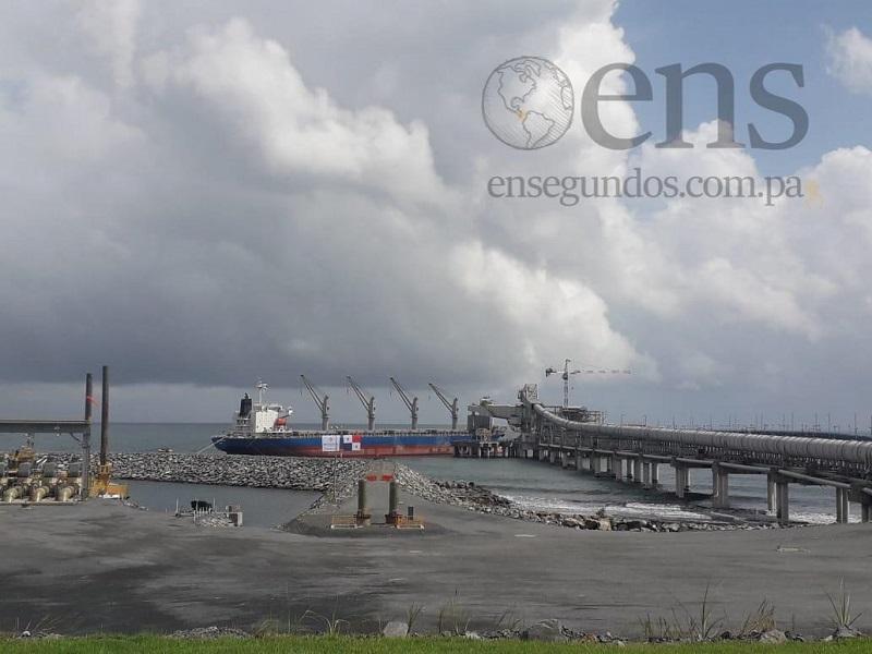 Buque con concentrado de cobre transitará por el Canal de Panamá