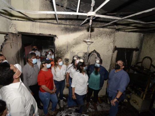 Miviot evalúa a familias afectadas por voladura de techo, fuego e inundaciones