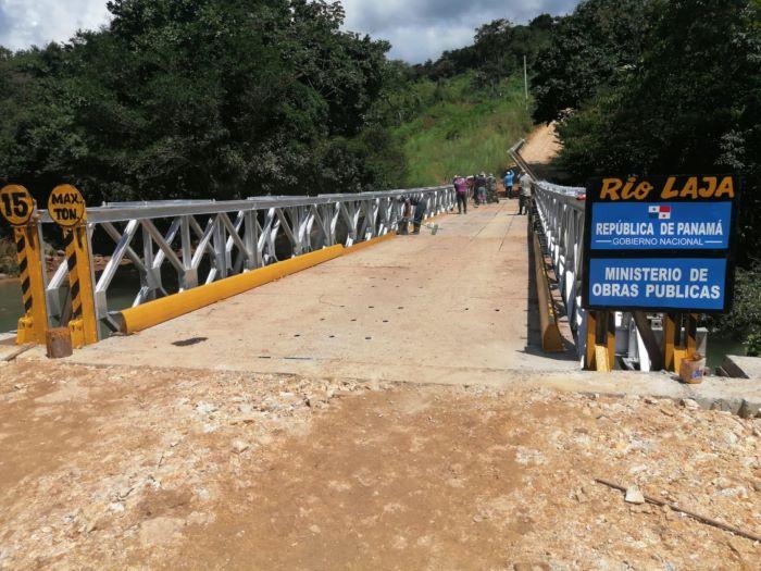 Reconstruyen puente colapsado por lluvias en Veraguas