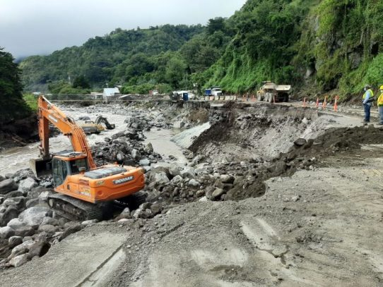 Avanza rehabilitación de ruta de acceso a Cerro Punta