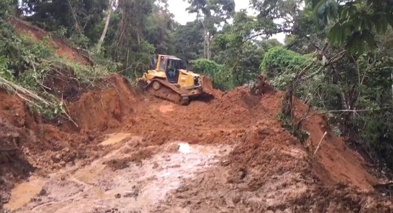 MOP habilita 54% de puntos críticos en vías bloqueadas por derrumbes