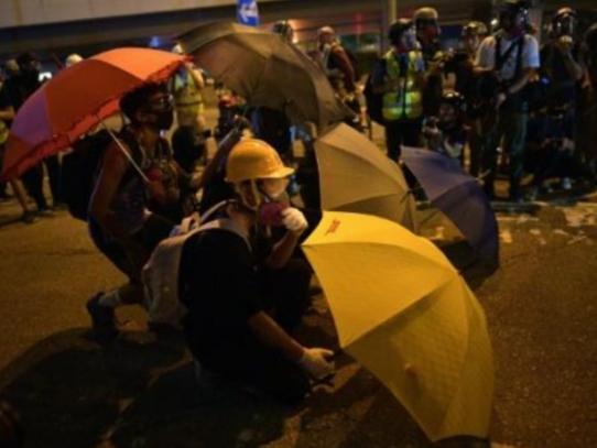 Enfrentamientos en Hong Kong durante el quinto aniversario del Movimiento de los Paragüas