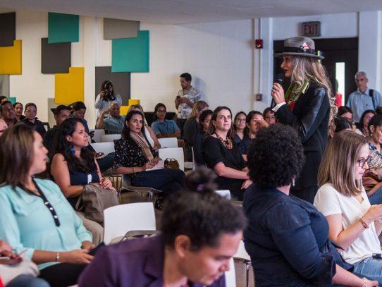 Experta en desarrollo de negocios dicta conferencia a mujeres panameñas sobre emprendedurismo
