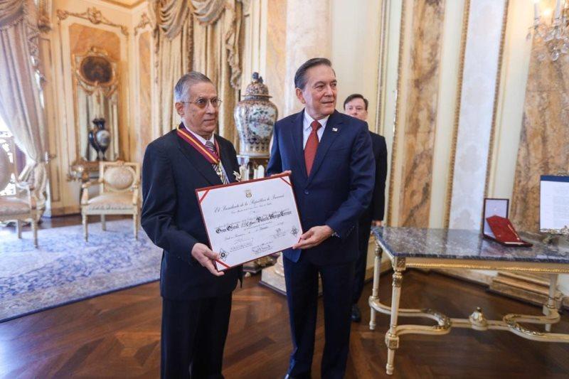Otorgan Orden Vasco Núñez de Balboa a Rolando Murgas Torraza