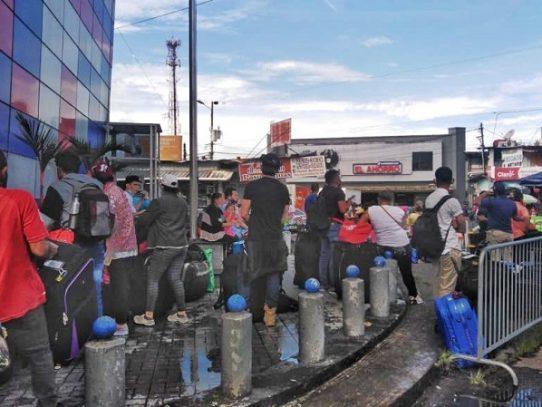 Venezolanos y nicaragüenses retornan a sus países desde Panamá