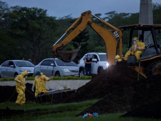 Nicaragua niega casos de Covid, pero obliga a enterrar los muertos de noche