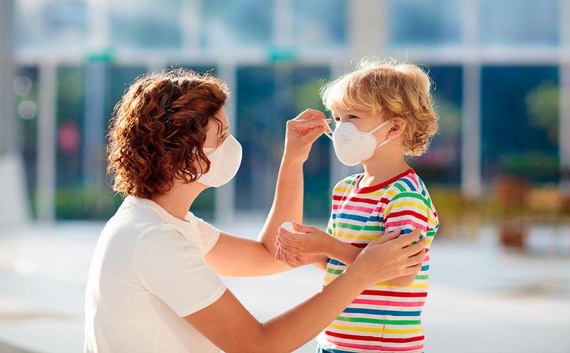 Opinión: En realidad no estamos criando, estamos lidiando con la paternidad en una pandemia