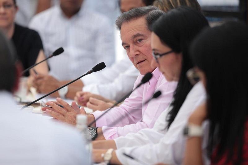 Presidente Cortizo cede ante presiones del lobby LGBTIQ