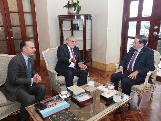 Presidente Cortizo y Ugaz conversan sobre iniciativas para combatir la corrupción