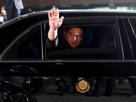 Cómo el líder norcoreano evade las sanciones para tener autos de lujo