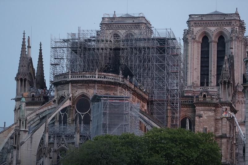 Descartan que incendio en Notre Dame haya sido con intención criminal