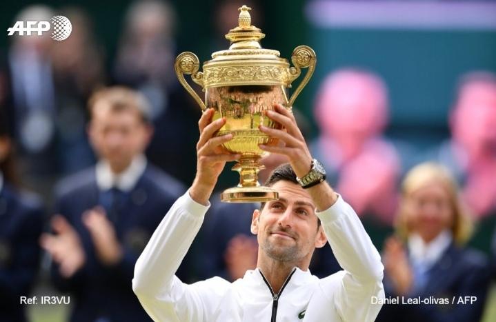 Novak Djokovic gana su quinto título de Wimbledon al vencer a Roger Federer