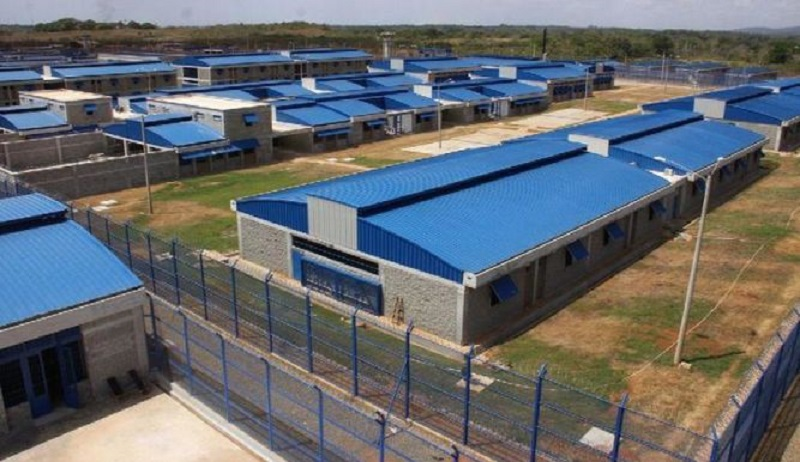 Custodios decomisan presunta droga en bolsas de hielo en La Nueva Joya