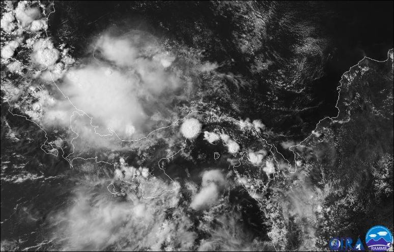 Advierten de fuertes lluvias por paso de onda tropical N° 40