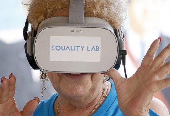 Ancianos de Miami cumplen sus sueños y combaten la depresión con realidad virtual