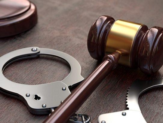Imputan cargos aun menor de edad por tentativa de homicidio y otros delitos