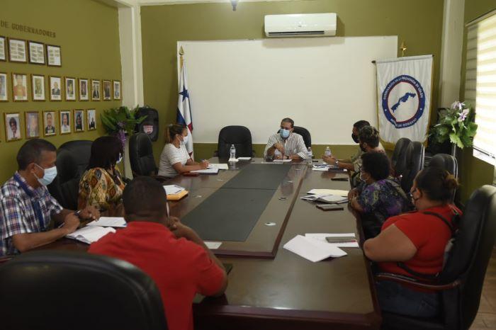 Gobierno establece mesa de diálogo con buhoneros de Colón para ver compensaciones