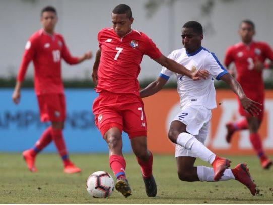 Panamá midió fuerzas ante Curazao con empate 3-3