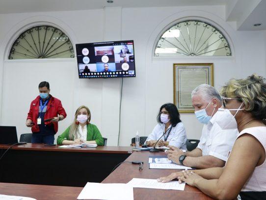 Panamá y Colombia intercambian información sobre flujo masivo de migrantes