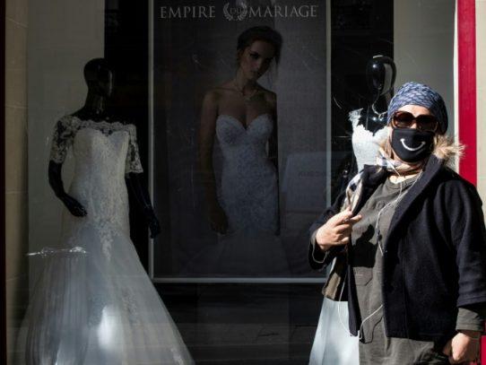 El coronavirus amenaza la floreciente industria de las bodas en Europa