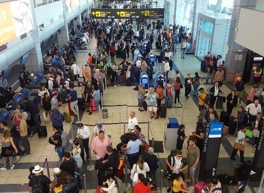 Cancillería habilita líneas de atención para panameños y residentes