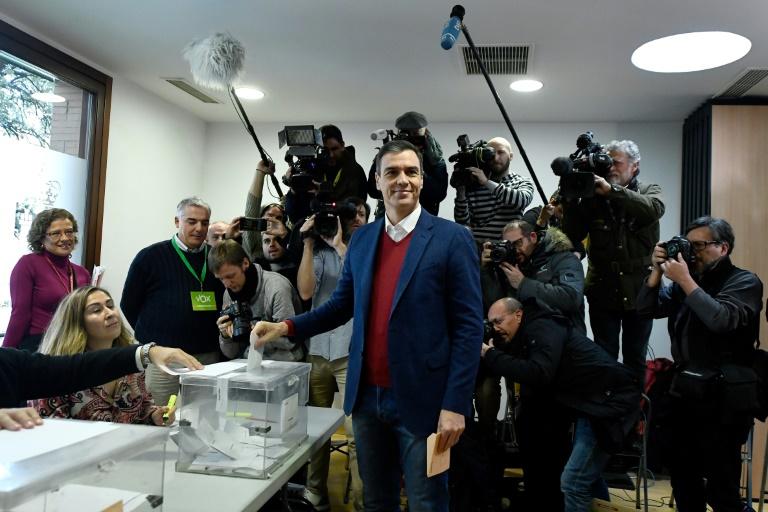 Pedro Sánchez gana en España y la extrema derecha se dispara