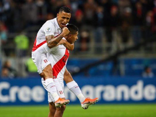 Perú golea al bicampeón Chile y después de 44 años vuelve a final de Copa América