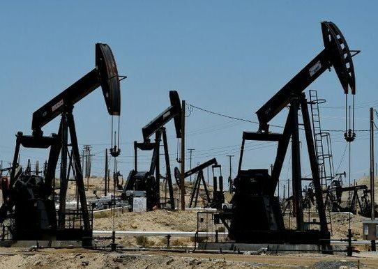 """Histórica caída del petróleo lleva su precio bajo """"0"""" en Estados Unidos"""