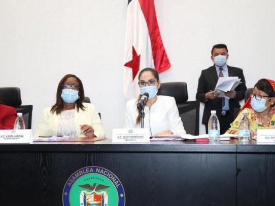 Proyecto sobre protección a la primera infancia pasa a segundo debate