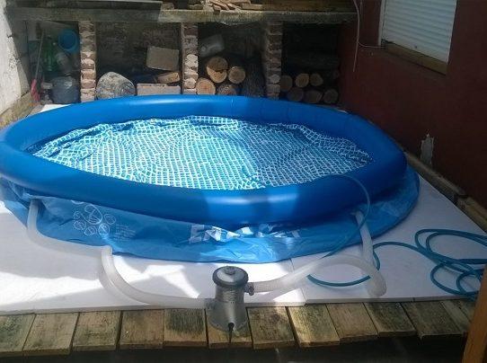 """Gobierno mantiene las """"piscinas marginales"""" en cuarentena"""