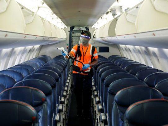 Velo por ti mismo: Cómo se hace la limpieza en los aviones en la actualidad