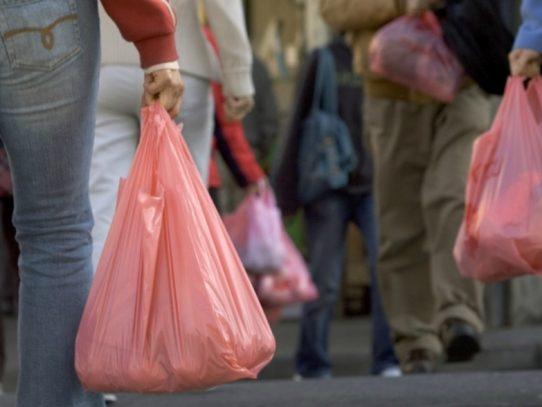 Empresarios rechazan prohibición de plásticos en Guatemala