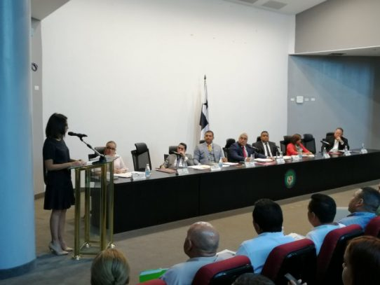 Crean comisión que tratará regulación de las plataformas tecnológicas de transporte