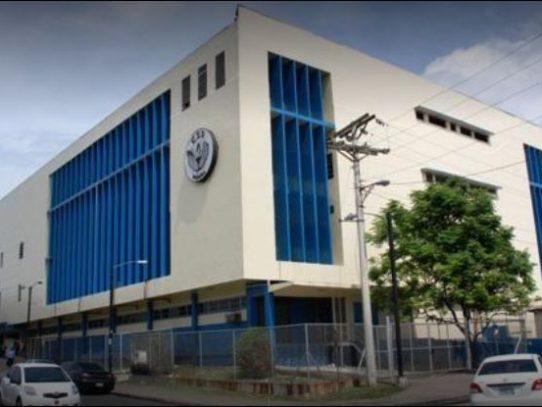 Cesan atención en Policlínica de la CSS en El Marañón por explosión de transformadores