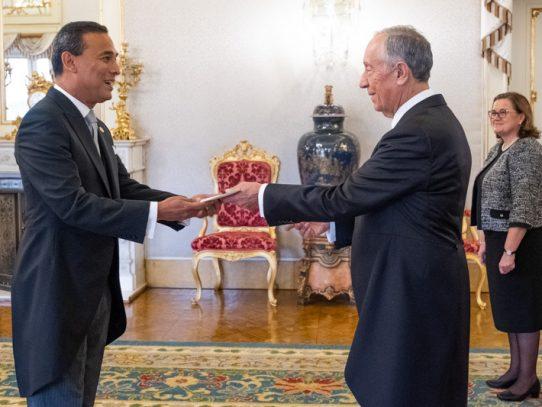 Embajador de Panamá presenta cartas credenciales ante Portugal