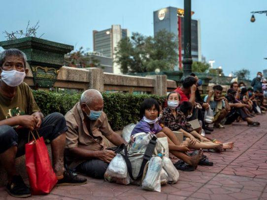 Millones habían salido de la pobreza. El coronavirus los está arrastrando de regreso.