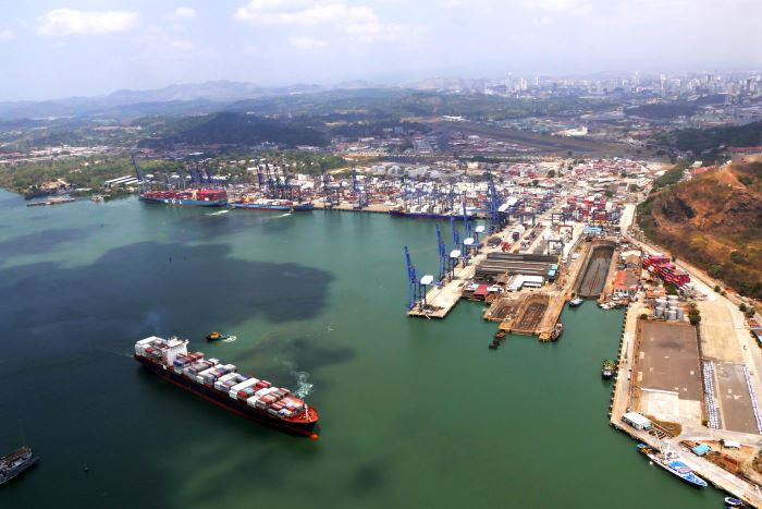 Panamá encabeza los 20 transbordos portuarios más destacados de la CEPAL
