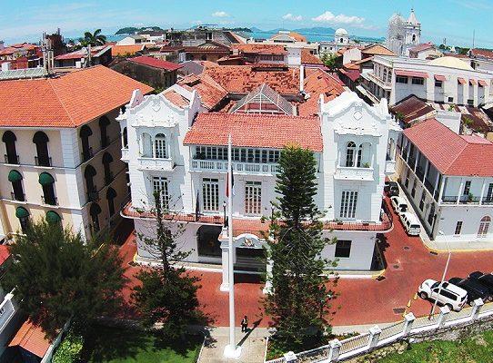 Varela responde a Cortizo en polémica por remodelaciones en la Presidencia