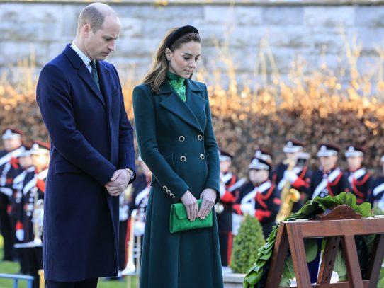 Príncipes Guillermo y Catalina rinden homenaje a los muertos por la independencia irlandesa