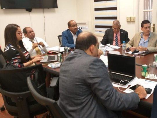 Presentan propuestas para revisión del proceso de descentralización