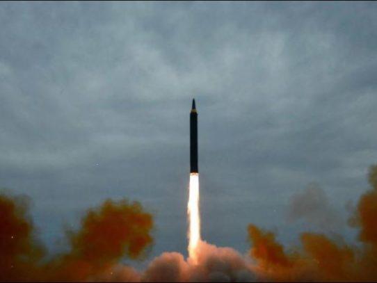 """Corea del Norte disparó proyectiles """"no identificados"""""""