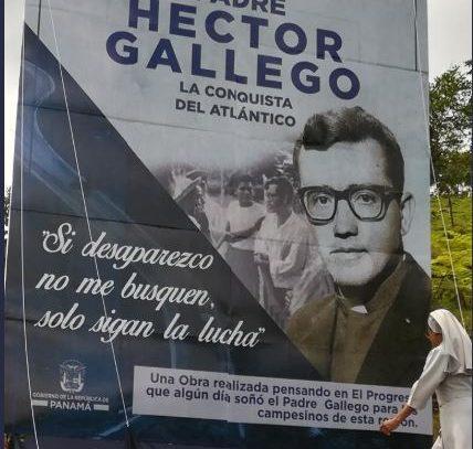 "Varela devela valla de carretera padre ""Héctor Gallego"""