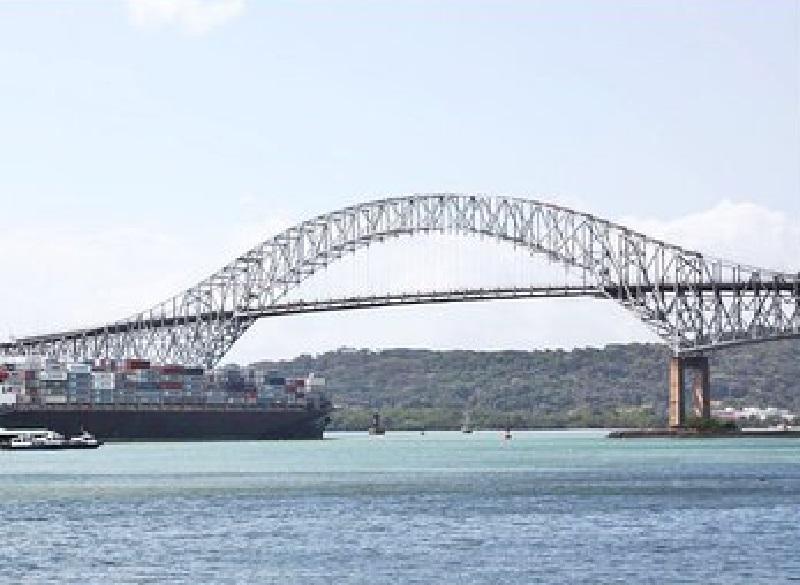 El MOP inicia trabajos de rehabilitación en la Vía del Puente de Las Américas